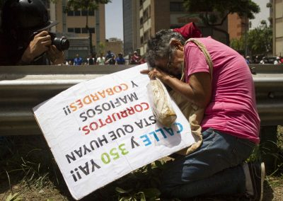the-wynwood-times-venezuela-en-resistencia-Manifestacion-Av-libertador