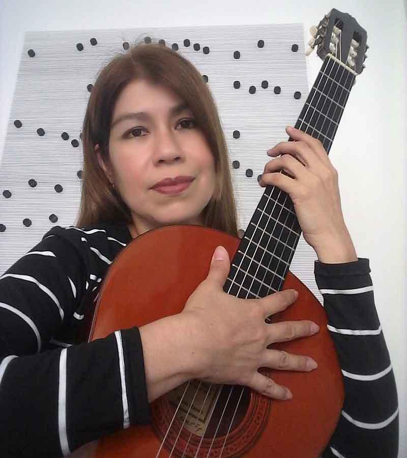 Gleyda Domador Guitarra