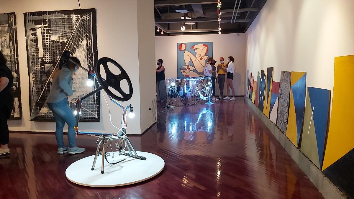 Sala TAC - Luis Salazar - Art in America.