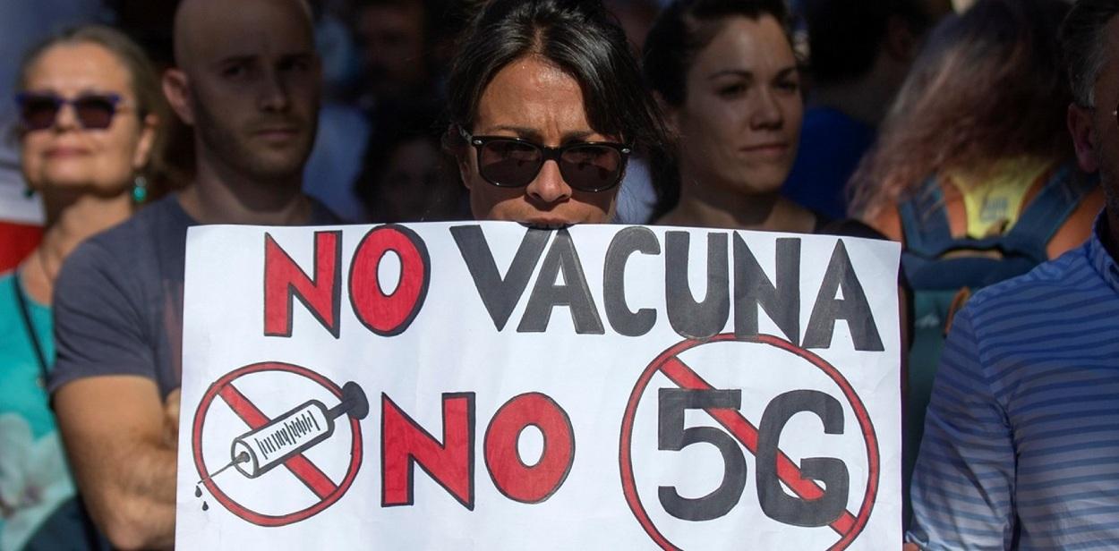 Marcha Antivacunas en Madrid 2020 - Foto AFP